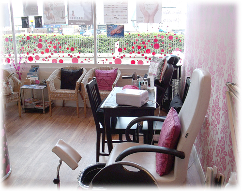 inside Pinkies salon