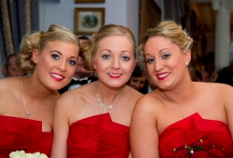 Red bridesmaids' make-up